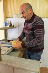 La mafalda è il classico pane da imbottire con le panelle